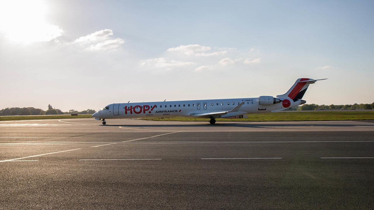 Omezení v počtu vnitrostátních letů se má dotknout dceřiné společnosti Air France, nízkonákladových aerolinek Hop!.