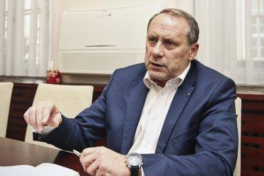 Generální ředitel Českých drah Miroslav Kupec má brzy skončit ve své funkci. Odvolat by ho měla podle informací HN dozorčí rada ČD.