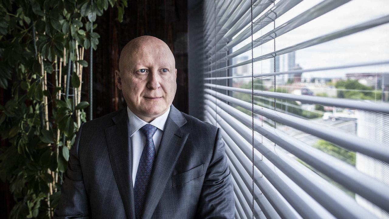 Zkoumání firmou ČEZ podle jejího šéfa Daniela Beneše, může, ale také nemusí potvrdit technologické aekonomické předpoklady případné těžby lithia na Cínovci.