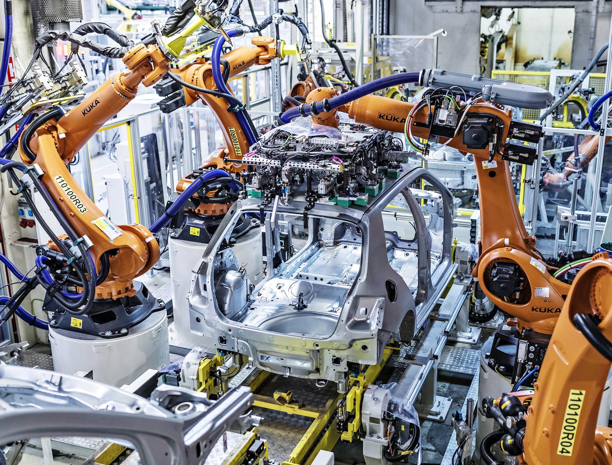 Díky nástupu výroby elektromobilů se nejspíš zvýší automatizace ve výrobě i logistice.