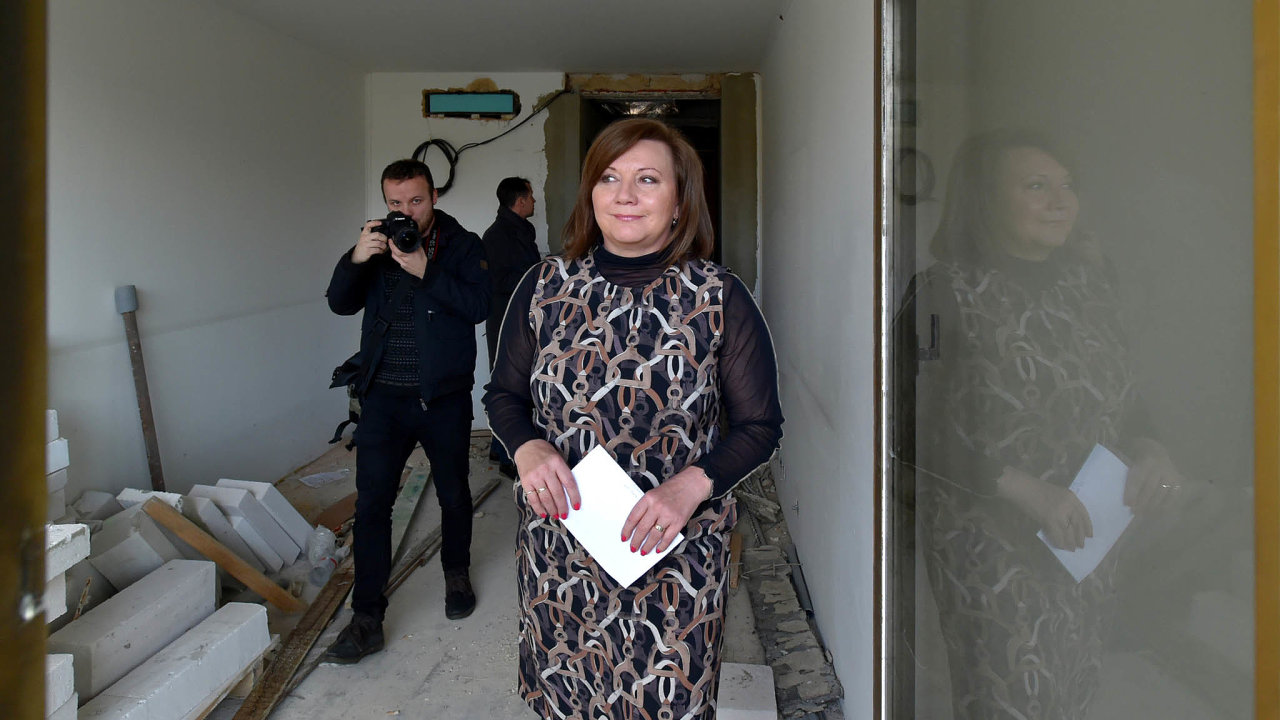 Nový systém bude: Ministryně financí Alena Schillerová slibuje, že nový systém informující odotacích bude narozdíl odtoho stávajícího spolehlivý. Sama ale neví, kdy se spustí.