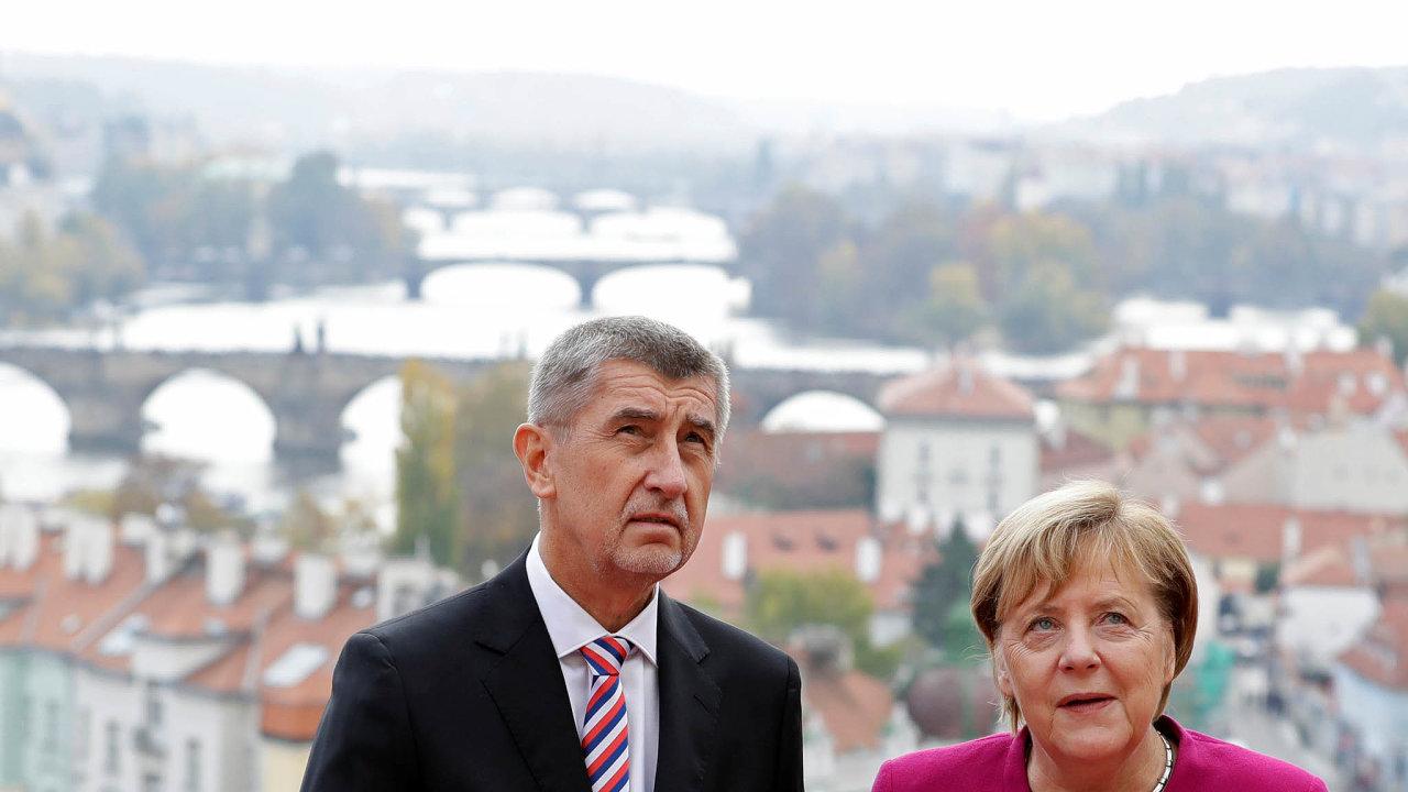 Tak blízko, apřece takdaleko. Merkelová chápe, že vzájmu Německa je pomoct ostatním, Babiš zaČesko jen natahuje ruku. Změní se to?