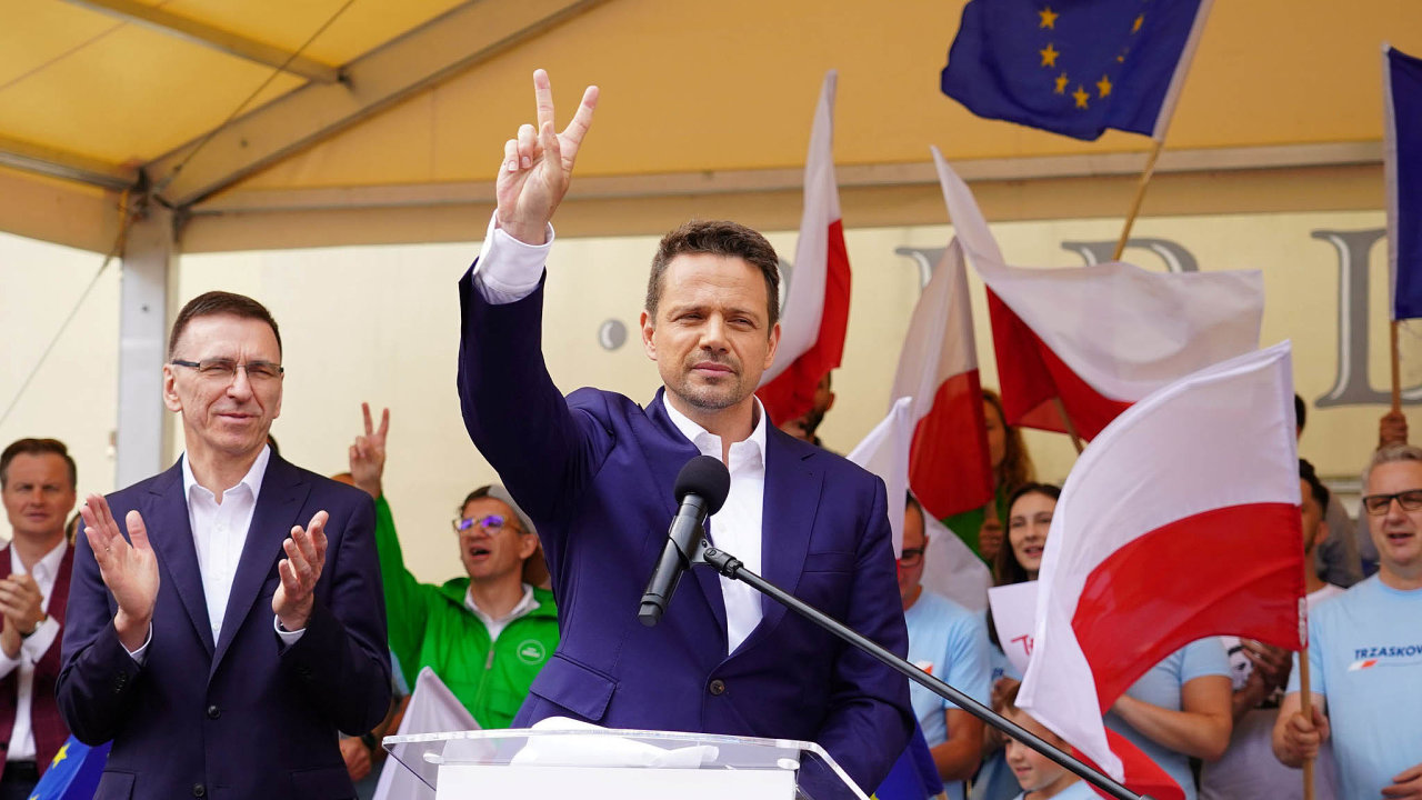 Vyzývatel. Uchazeč o post polského prezidenta Rafal Trzaskowski se bude pokoušet dále oslabovat pozici toho současného.