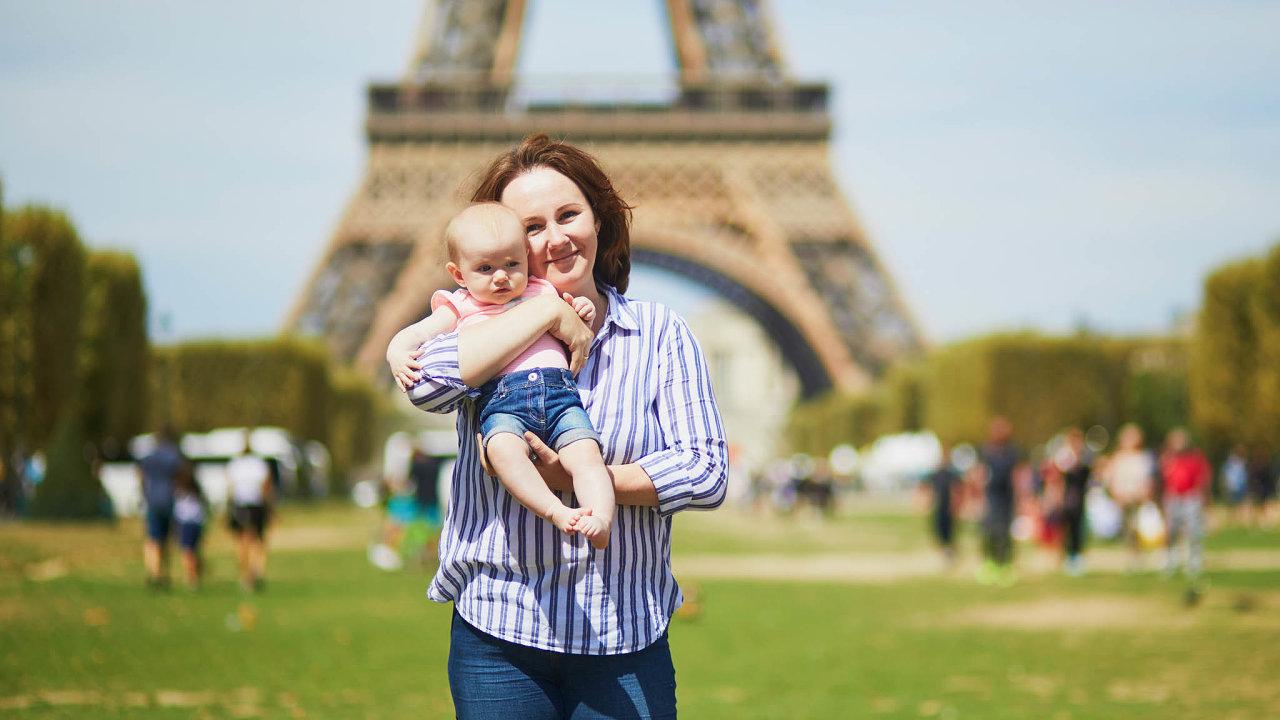 Jiná školka. Francouzské chůvy se dětem věnují individuálně, stát tento model podporuje.