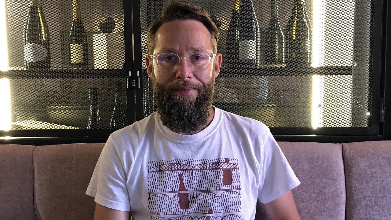 Básník a vinař Bogdan Trojak