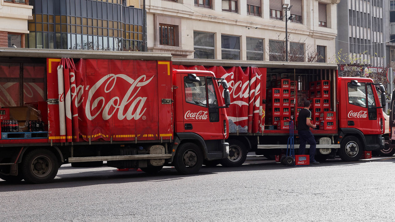 Coca-Cola pocelém světě plánuje propustíasi 2200 zaměstnanců.