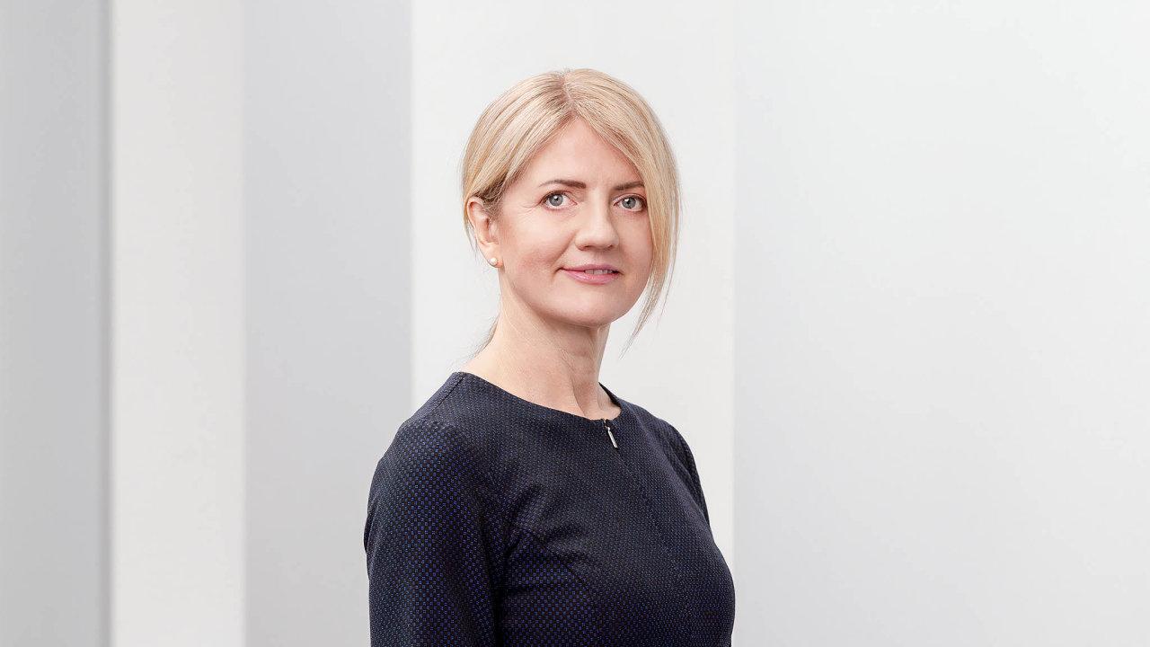 ZPrahy dovlády. Kariérní diplomatku Evu-Marii Liimetsovou povolala dovlády premiérka Kallasová zpostu velvyslankyně vČesku.