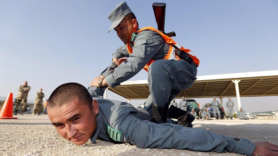 Afgánská národní policie při tréninku.