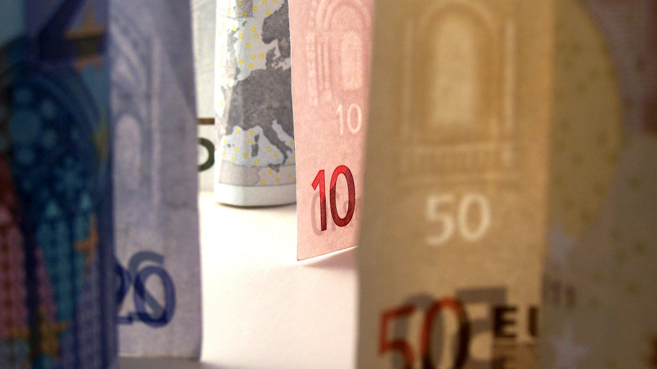 Ilustrační foto - Bankovky eura.