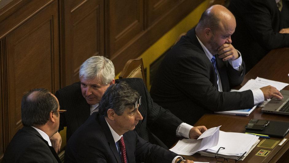Rusnokovi ministři představili své plány
