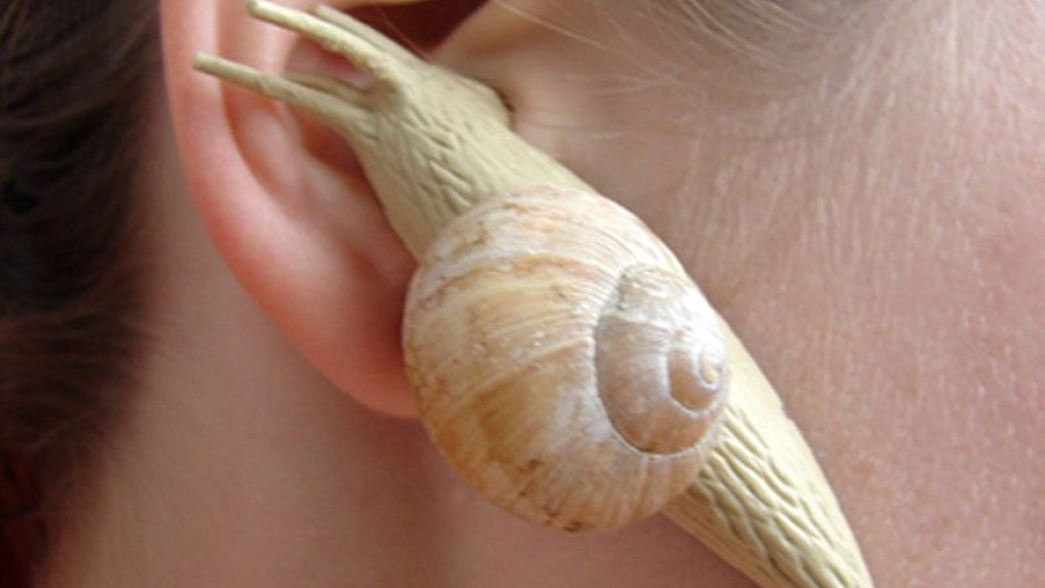 Originálních sluchátek si všimli v zahraničí.