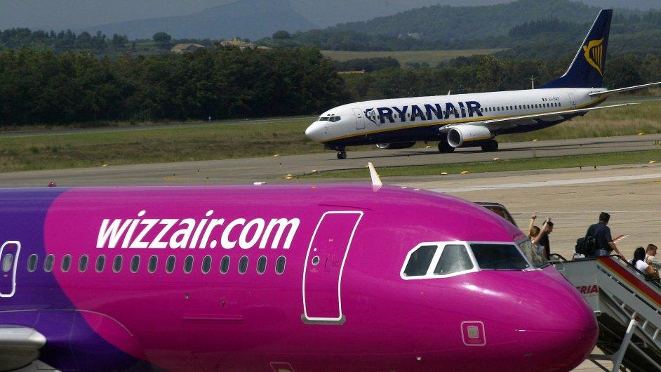 Rivalové z Wizz Airu a Ryanairu