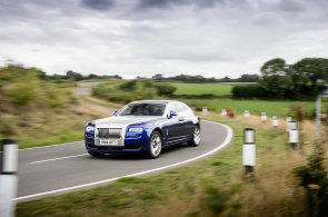 Vyzkoušeli jsme nový Rolls-Royce Ghost. Je to oáza klidu pro unavené boháče