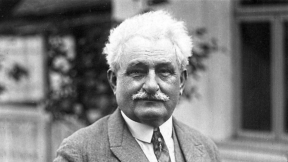 Leoš Janáček žil v letech 1854 až 1928.