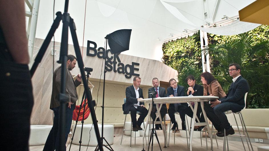Diskuse v HN - ilustrační foto