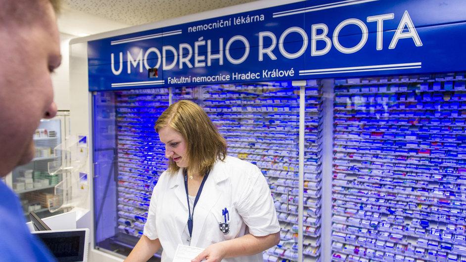 Výdejní automat má v zásobníku přes 1100 druhů nejvíce předepisovaných léků, jeho kapacita je přes 12 tisíc kusů balení.