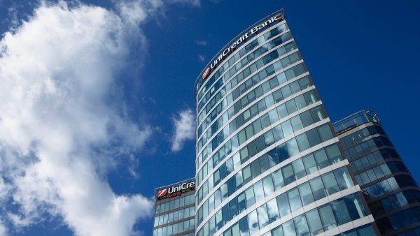 Z velké bankovní čtyřky zavedla bezplatný účet jako první UniCredit Bank - Ilustrační foto.