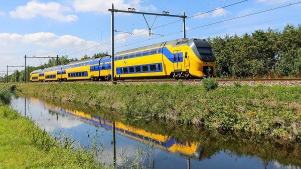 Vlak holandsk�ch �eleznic Netherlands Railways, ilustra�n� foto
