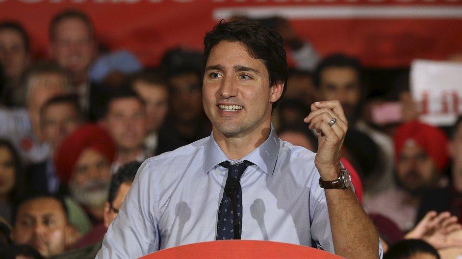 Lídr liberálů Justin Trudeau během předvolební kampaně v Calgary.