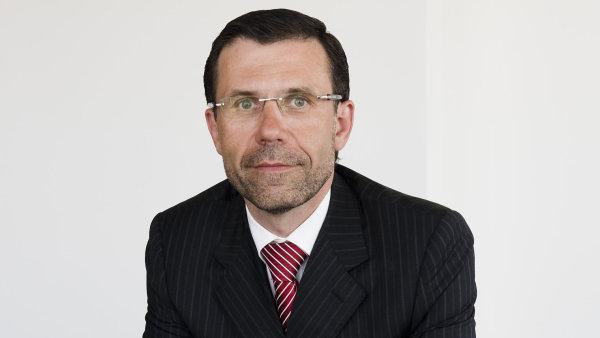 Martin Valach varuje před novelou zákona o pojišťovnictví. Ohrozila by prodej životních pojistek.