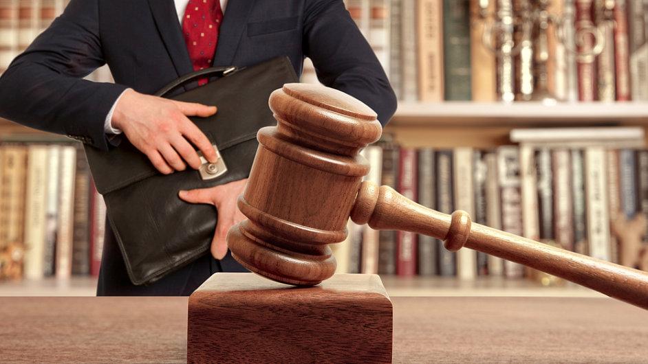 Právník, právo, advokát, advokacie, soud. Ilustrační foto.