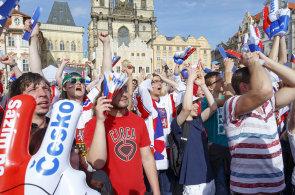 """Loni na """"Staromáku"""". Letos se hokejoví fanoušci sejdou v centru Prahy opět."""