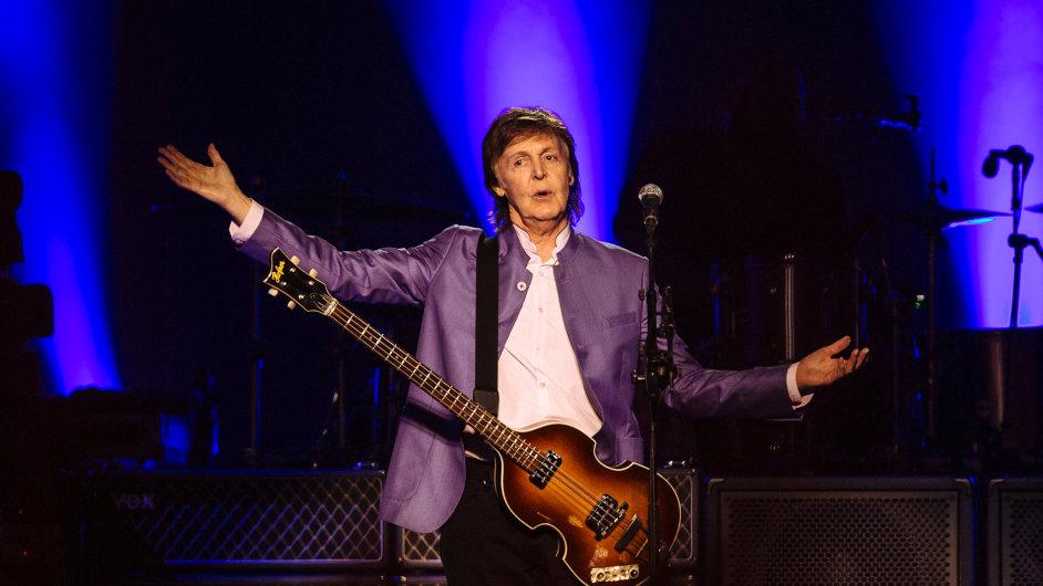 Snímek z vystoupení Paula McCartneyho v Praze