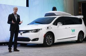 Google představil vylepšený systém pro autonomní řízení. Cenu některých technologií se prý podařilo srazit o 90 procent