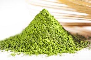 Drcený matcha čaj z japonských farem se stal Produktem roku. Pije se zatepla i zastudena