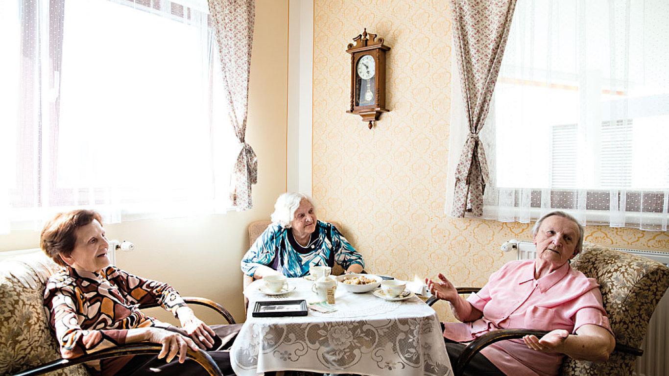 Česká vláda zvyšovat věk pro odchod do důchodu rázně odmítá