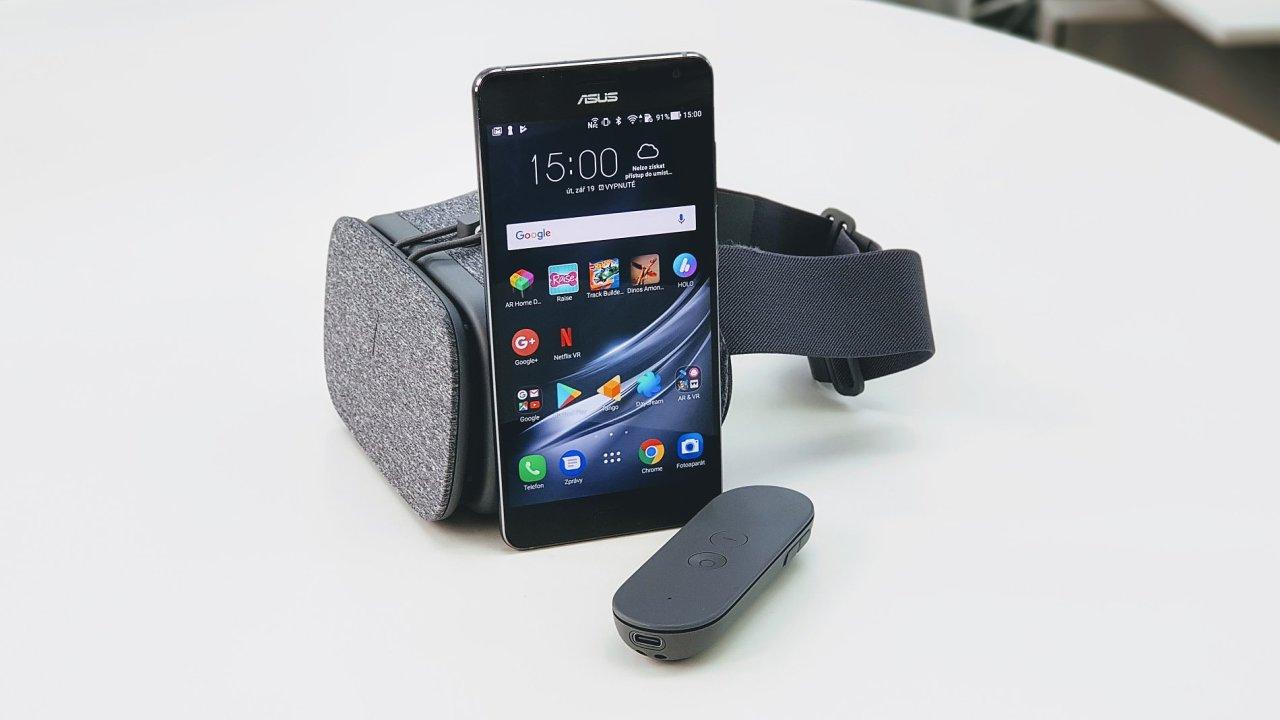 Asus ZenFone AR umí změnit realitu kolem sebe.