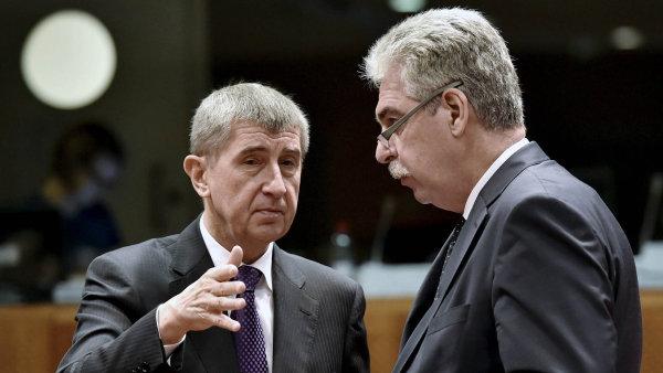 Na bruselském zasedání Rady EU v listopadu 2015 se Andrej Babiš setkal například s rakouským ministrem financí Hansem Jörgem Schellingem.