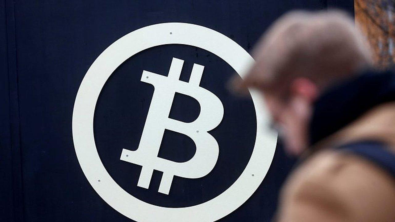 Cena bitcoinu se od svého vrcholu v prosinci loňského roku propadla téměř o 70 procent.
