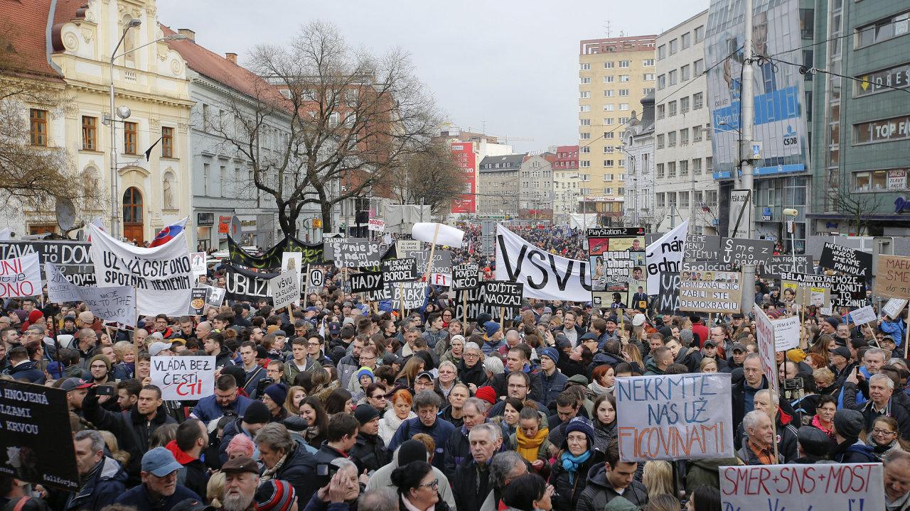 Demonstrace v Bratislavě.