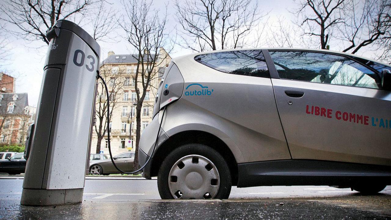 Elektromobil systému sdílení aut Autolib