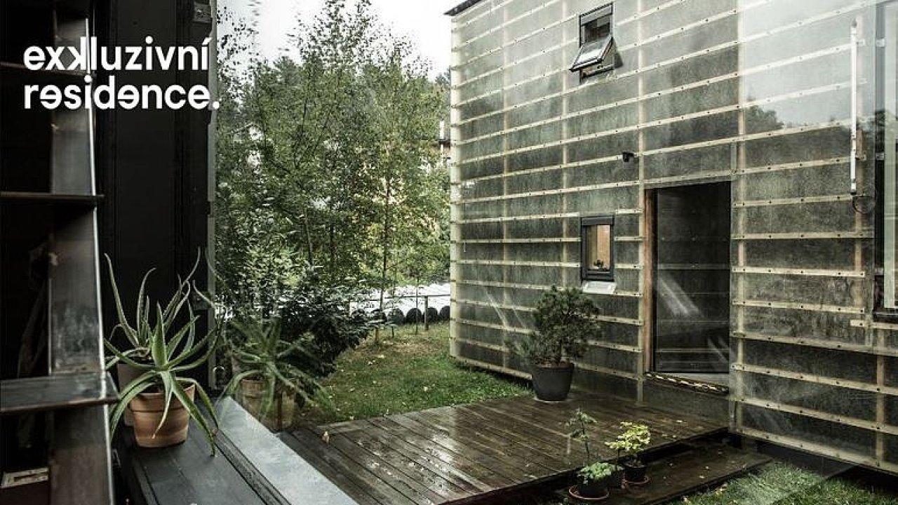 Exkluzivní rezidence: Domy za cenu bytu. Jednoduché stavby na okraji Liberce jsou jako stavebnice.