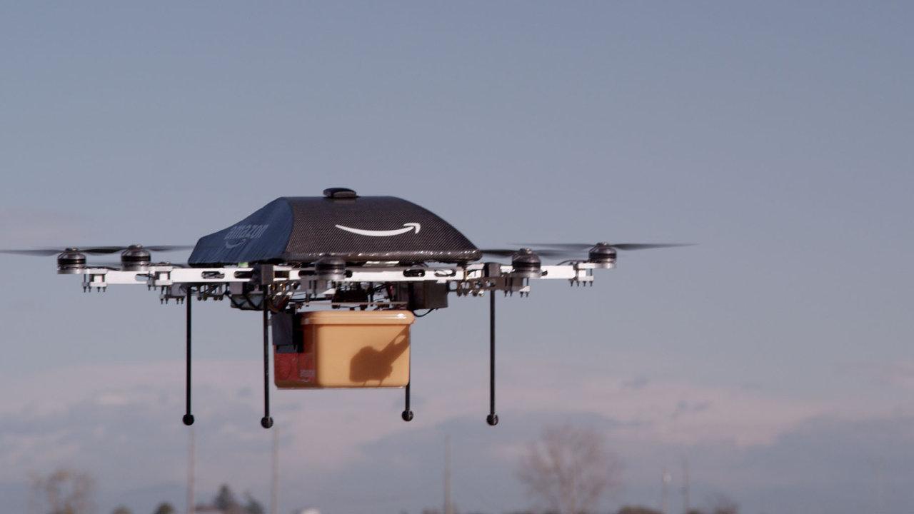 Do skutečného provozu zatím Amazon drony nenasadil.