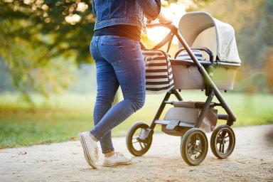 Rodiny, které mají děti, jimž v roce 2020 nebudou ještě 4 roky, a pobírají na ně rodičovské příspěvky, dostanou od státu desítky tisíc korun navíc.