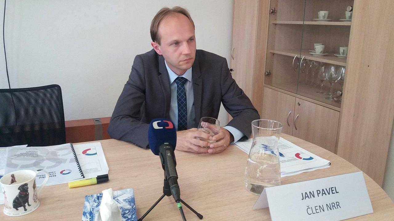 Člen Národní rozpočtové rady Jan Pavel.