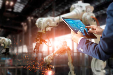 VČesku je nyní podle údajů Vítězslava Lukáše zABB 56robotů na10tisíc zaměstnanců pracujících voborech mimo automobilový průmysl. Vnejvíce automatizovaném Dánsku je to 230robotů.