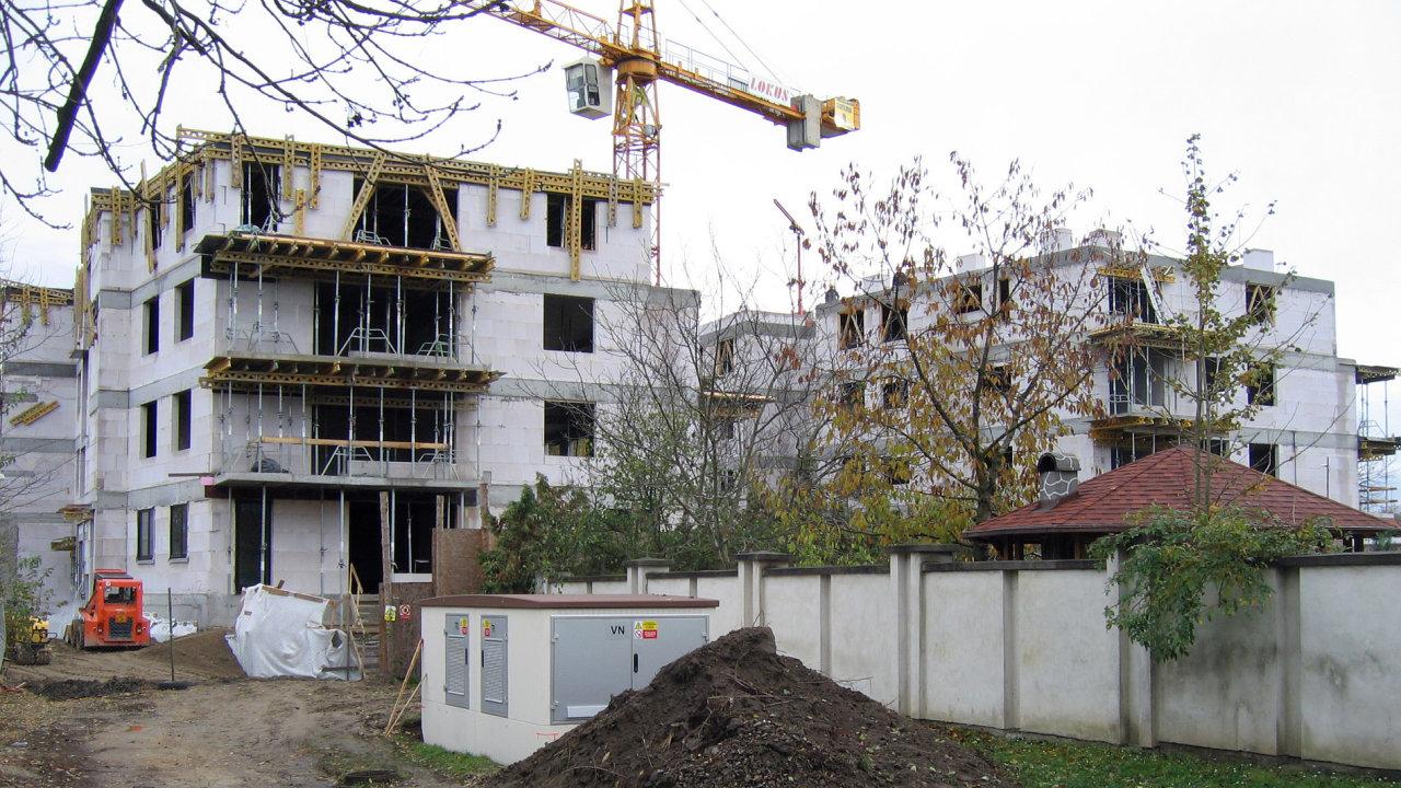 První etapa projektu Zahrada zahrnuje dva bytové domy Jasmín a Modřín z dílny studia Podlipný Sladký architekti