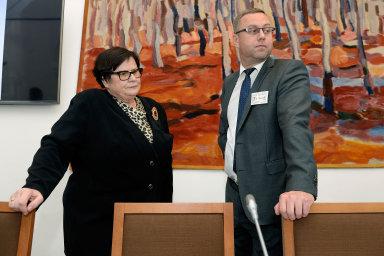 Podle Nejvyššího státního zastupitelství, jehož šéf Pavel Zeman je členem protikorupční rady, totiž novela posiluje zásahy exekutivy do fungování státního zastupitelství. Ilustrační foto.