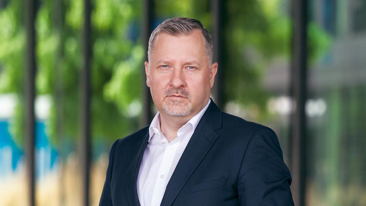 Dodávky IT firmám nám zajistí další růst, věří šéf české pobočky Schneider Electric Vladimír Tichý.