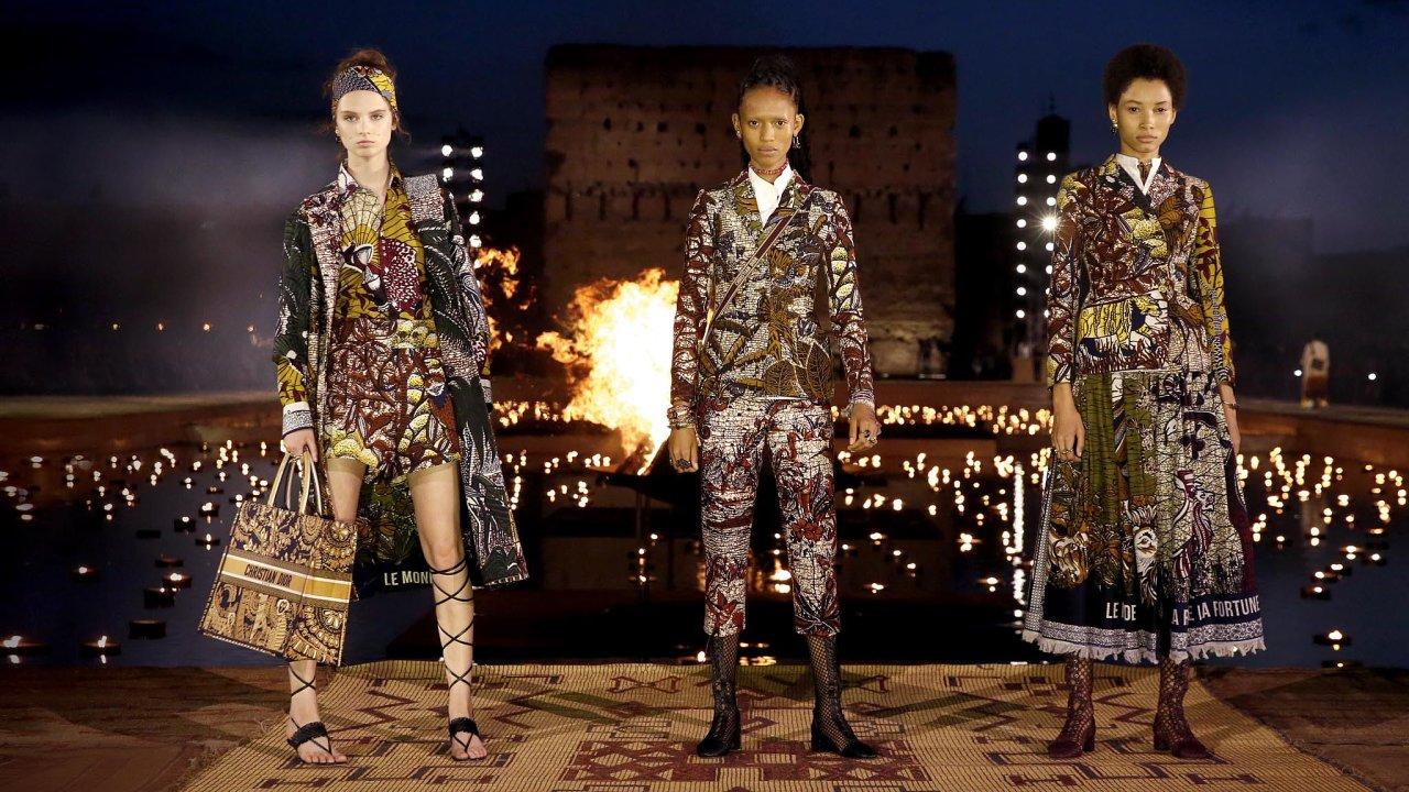 Dior vnové kolekci Cruise 2020 propojil původní řemeslo aumělce sluxusním módním domem.
