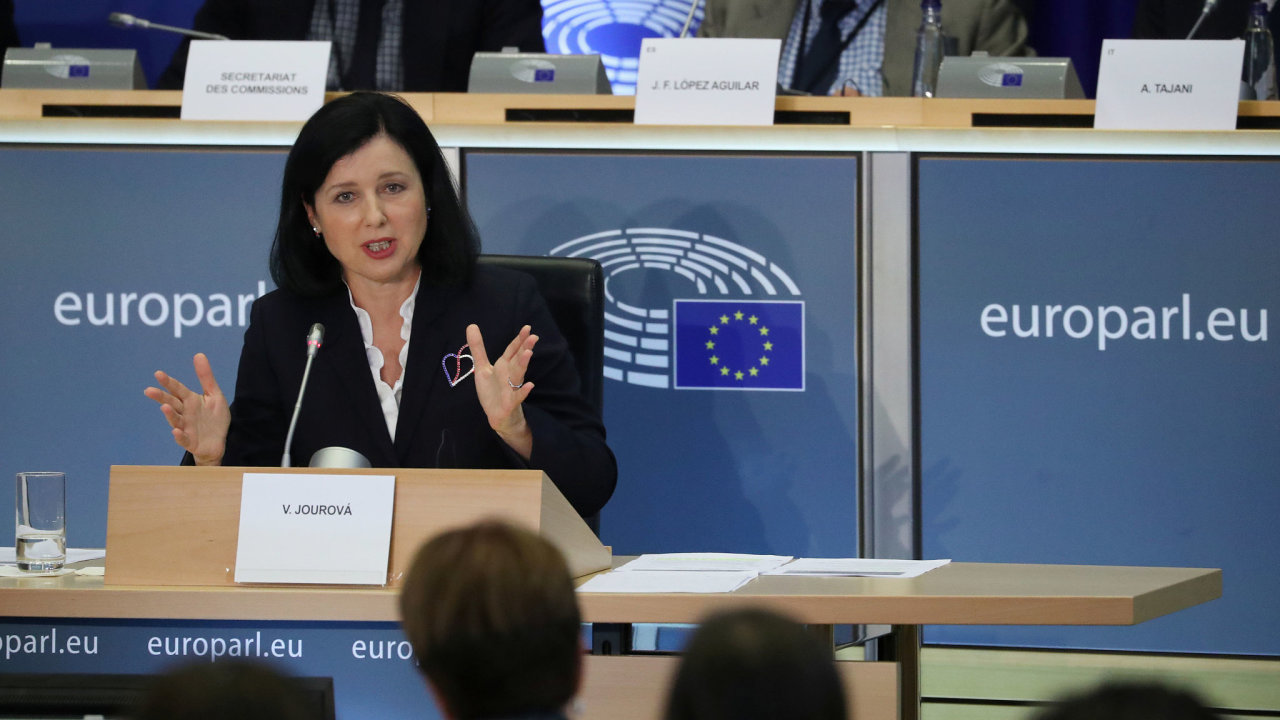 Věra Jourová - grilování v Evropském parlamentu