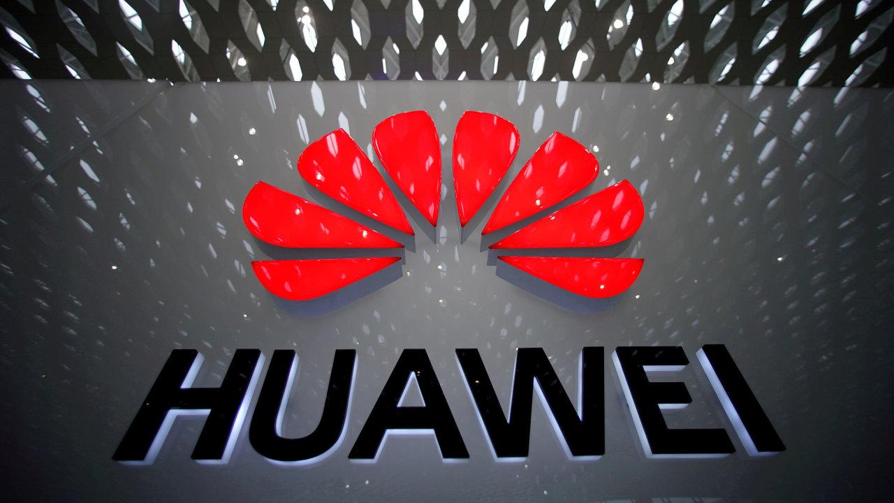 Francouzské úřady nebudou prodlužovat povolení pro společnost Huawei kvůli její vazbě na čínskou vládu, její zařízení budou postupně vyloučena z 5G sítí.