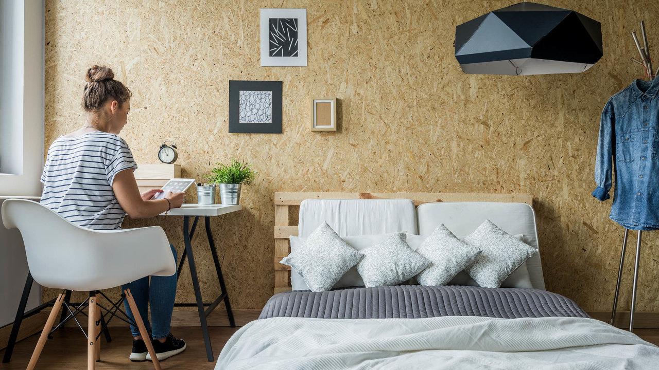 Bydlení budoucnosti: Pronajmout si pokoj avše ostatní sdílet sdalšími lidmi. Nový trend nájemního bydlení míří doČeska. Takzvaný coliving chtějí vPraze rozvíjet idevelopeři.