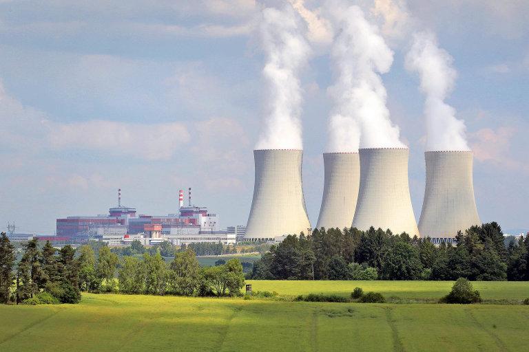 Elektrárna Temelín využívá chytré technologie ktomu, aby chránily bezproblémový provoz vedení vysokého napětí.