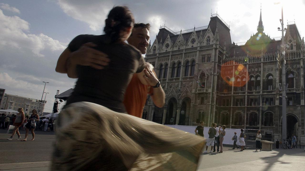 Den národní jednoty. Už deset let odzvolení Viktora Orbána premiérem si Maďaři trianonskou