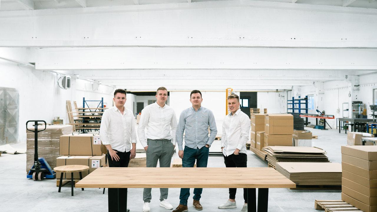 Dominik, Jan a Václav Herkovi spolu s Václavem Staňkem (vpravo)